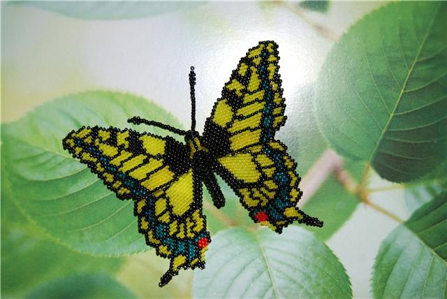 Подробный мастер-класс по плетению бабочки.  Схемы животных из бисера.