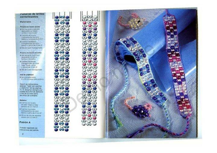 Плетенные из бисера браслеты и бусы, украшенные различными мотивами: веселыми разноцветными птицами, бабочками...
