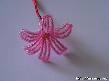 Схема гиацинт из бисера. .  Расправляем лепесточки. .  Таких цветочков необходимо сделать 27 штук, для этого мы брали...