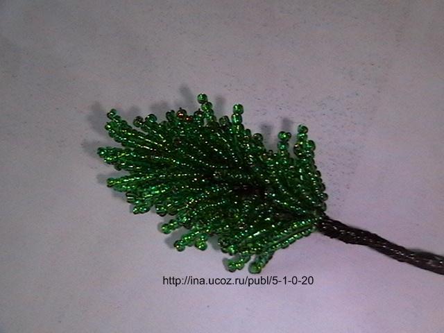 Деревья из бисера со схемами доступны на нашем сайте.  Плетение бисером цветов (см. раздел бисероплетение фотоуроки) .